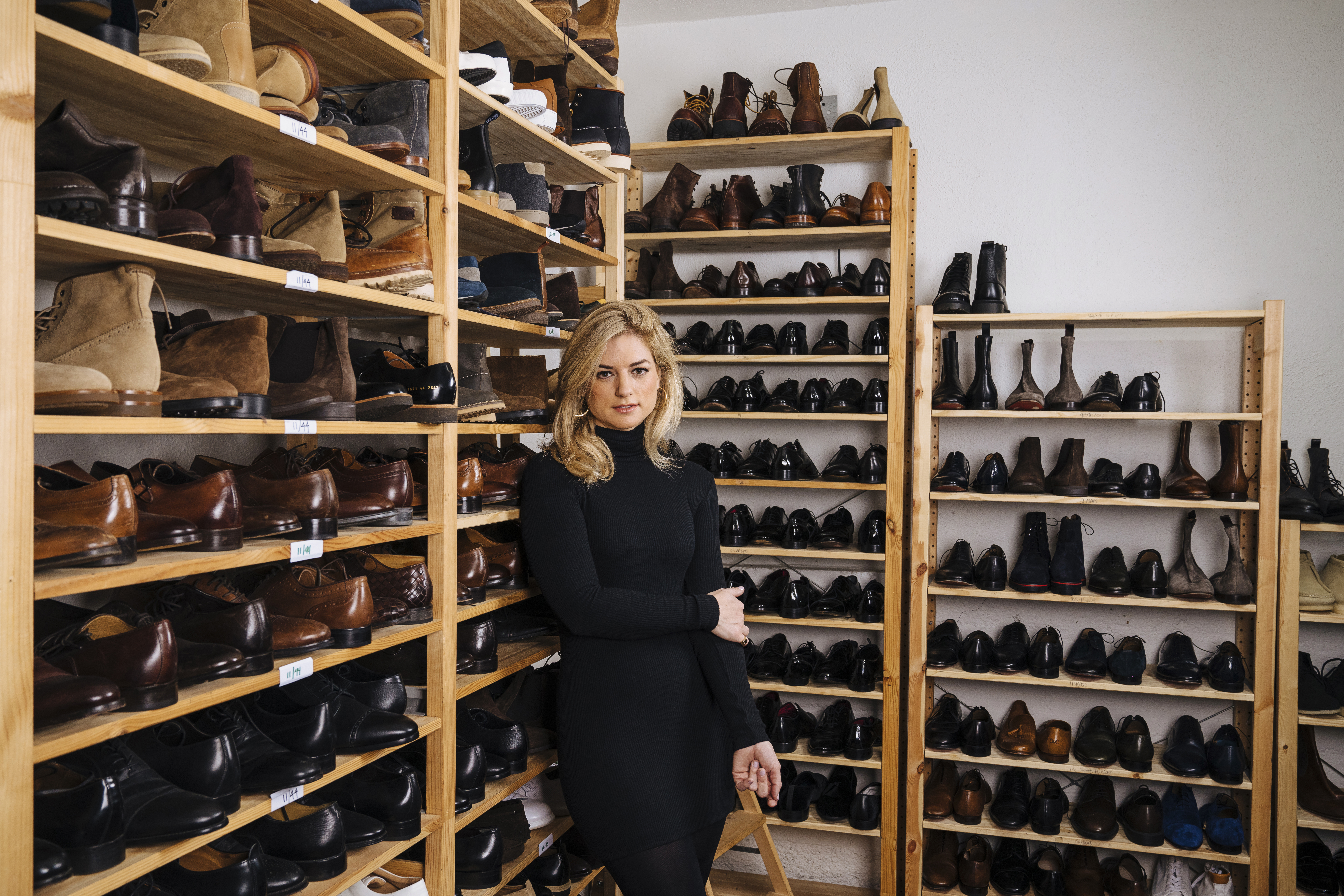Fashion stylist Ilaria Urbinati, pictured at her studio in Los Angeles, has transformed how men present themselves on the red carpet. MUST CREDIT: Photo for The Washington Post by Brinson+Banks
